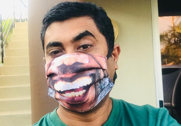 3ply Reusbale mask with smile print